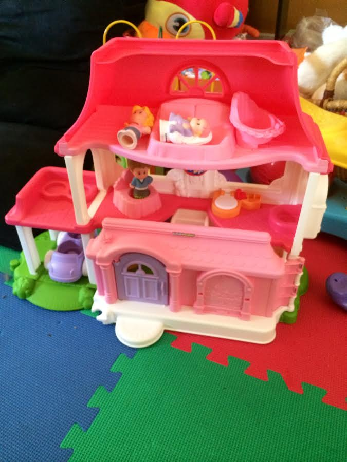 Maisie S 1st Doll House Fisher Price Little People Happy Sounds